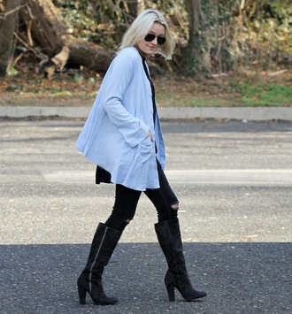 platinum and penniless blogger light blue black boots ripped jeans