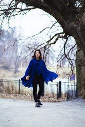 chicityfashion,blogger,pants,blue,cape,sweater,shoes,jewels,bag