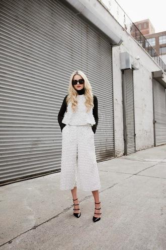 atlantic pacific blogger culottes white top two-piece classy black and white