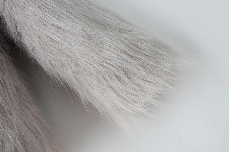 Abrigo crop piel sintético manga larga