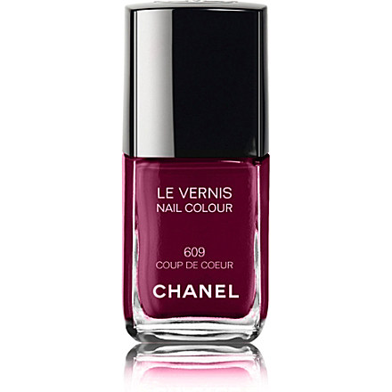 CHANEL - LE VERNIS Nail Colour | Selfridges.com
