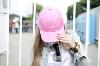 hat pink baseball hat cap pink baseball cap pink cap nail polish nails acrylic nails bracelets accessories accessory sunglasses
