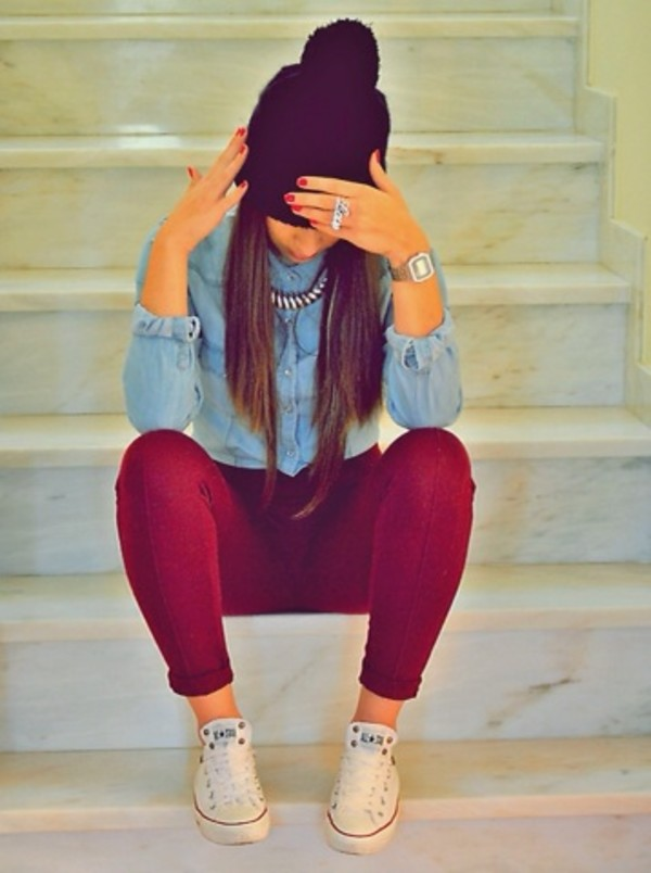 jeans beanie shirt converse demin skirt blouse hat necklace ring white converse watch red jeans black beanie clothes brands jewels shoes