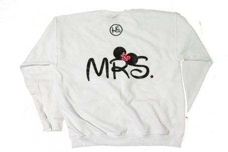 WHITE MRS CREWNECK on The Hunt