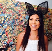 hair accessory,kourtney kardashian,headband,acessories