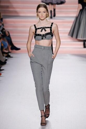top philosophy di lorenzo serafini bra bralette pants high waisted sandals milan fashion week 2017 fashion week 2017 runway model