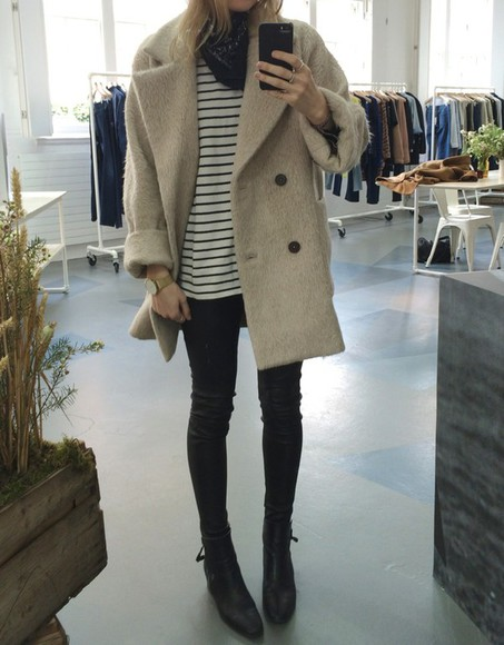 oversized double breasted short fur beige jacket