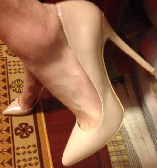Red bottoms multi heel sizes pointed toe pumps luxury quality
