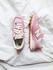 shoes,new balance sneakers,sneakers,pink sneakers,new balance,pastel sneakers,sporty chic,suede sneakers