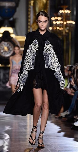 cara delevingne coat fashion week 2014