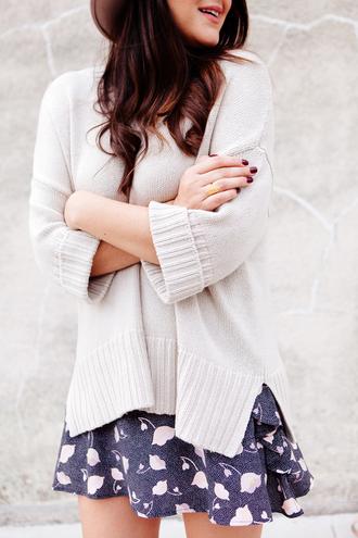 sweater tumblr white sweater skirt mini skirt blue skirt printed skirt dark nail polish nail polish