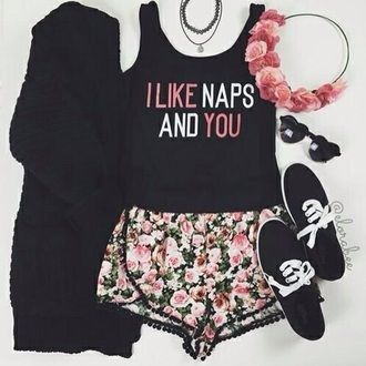 shirt vintage grunge black style flowers vans like you naps so me pink shorts cardigan skirt shoes hair accessory sunglasses jewels black shirt pink and black shirt top summer cute floral flower crown pastel goth fashion glasses