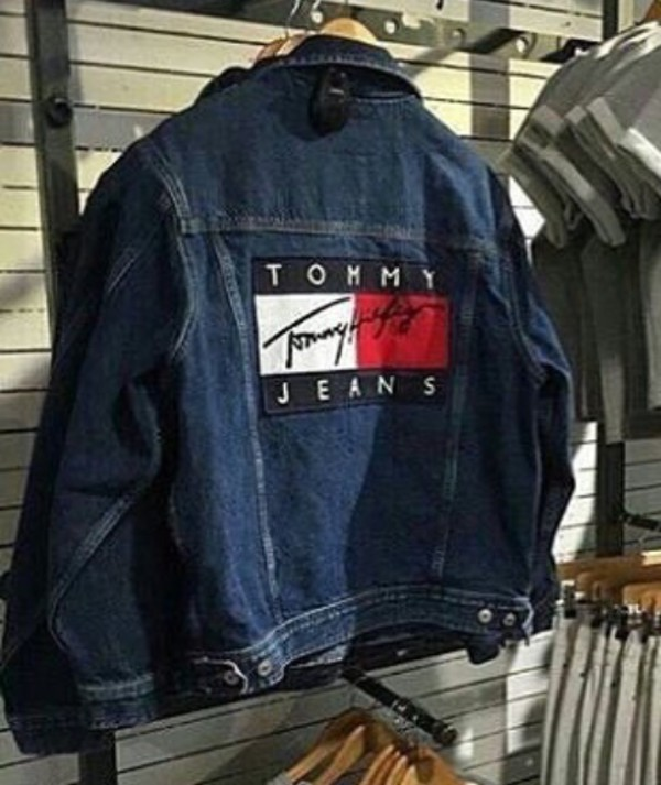 069a7b022ec71 Vintage TOMMY HILFIGER XL   Rare   100 % authentique Logo Tommy ...