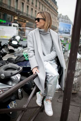 coat all grey everything all grey outfit grey coat streetstyle grey pants pants baggy pants silver sneakers low top sneakers sweater grey sweater turtleneck turtleneck sweater winter outfits winter look