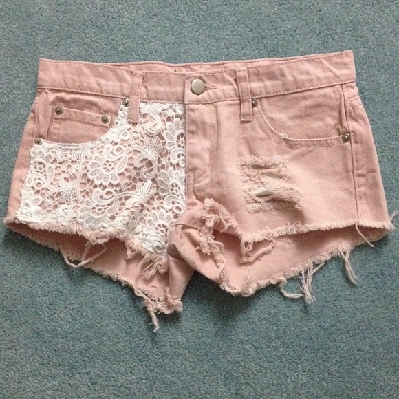 $25pp LF dupe crochet lace shorts 24 NEW 24 from Minnie's closet on Poshmark