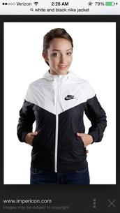 jacket,nike sweater,nike,windbreaker,black and white womens nike   wind runner jacket,nike jacket,black and white