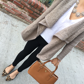 stylish petite blogger cardigan t-shirt pants jewels bag coat sweater shirt jacket shoes grey cardigan handbag ballet flats