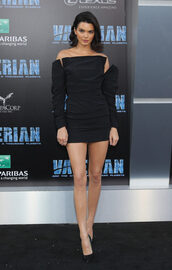 dress,mini dress,black dress,model off-duty,kendall jenner,kardashians,off the shoulder,off the shoulder dress,pumps,shoes