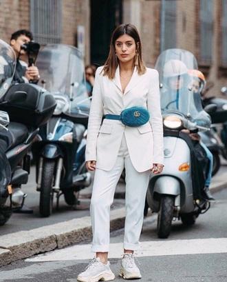 shoes white jeans blazer white blazer belt bag white sneakers sneakers jeans all white everything bag jacket