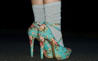 shoes floral vintage high heels blue flowers girly hipster floral high heels