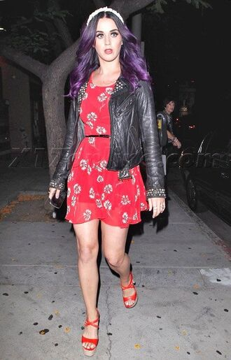 dress katy perry red dress mini dress summer dress floral dress sandals jacket black leather jacket leather jacket black jacket purple hair celebrity style celebrity