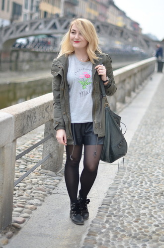 paris grenoble blogger parka leather shorts grey t-shirt