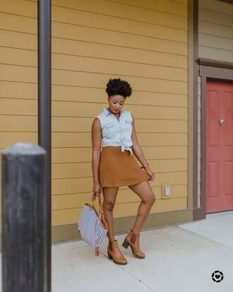 shirt skirt boots tumblr blue top sleeveless sleeveless shirt camel skirt mini skirt bag shoes