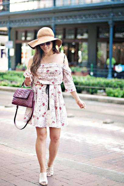whatever is lovely – a houston life and style blog by lynne gabriel blogger dress bag jewels mules summer dress purple bag