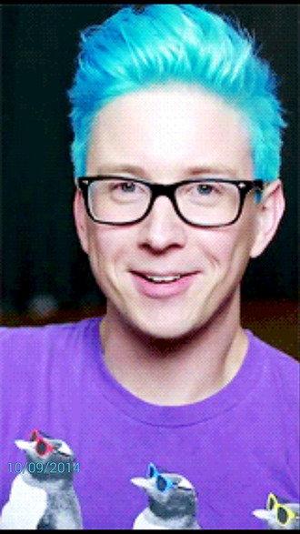 Tyler Oakley 2014 Green Hair | Louisiana Bucket Brigade