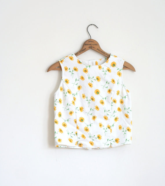 SALE White Daisy Crop Top Tank Shell XS Vintage Prep by heartcity