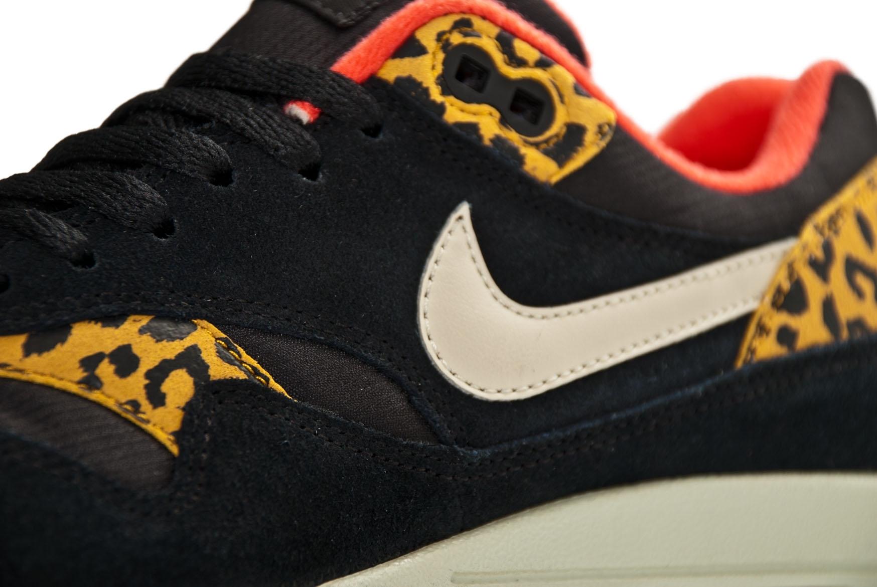 separation shoes 9f893 1b676 Nike Wmns Air Max 1 319986 026 Black Sandtrap Dark Gold Leaf