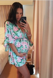 pajamas,nightwear,sleepwear,floral,pink,blue,silk,green,flowy,robe