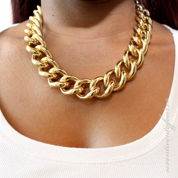 Nyla Gold Necklace