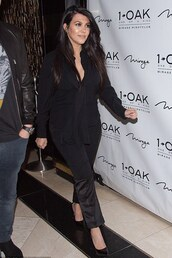 shoes,pumps,kourtney kardashian,all black everything,pants,blouse