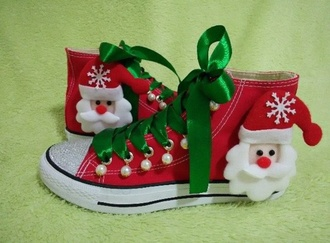 shoes wots-hot-right-now converse cute shoes christmas shoes customized custom sneakers custom shoes christmas cute sneakers sneakers high top converse converse sneakers holiday season gift ideas holiday gift xmas gifts xmas edition ribbon sneakers ribbons red sneakers white and red converse red converse christmas gift idea