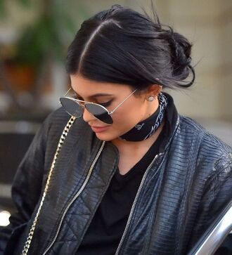 sunglasses kylie jenner aviator sunglasses scarf neck scarf choker necklace bandana bandana print bandana choker jewelry kylie jenner jewelry kardashians keeping up with the kardashians celebrity style celebrity celebstyle for less
