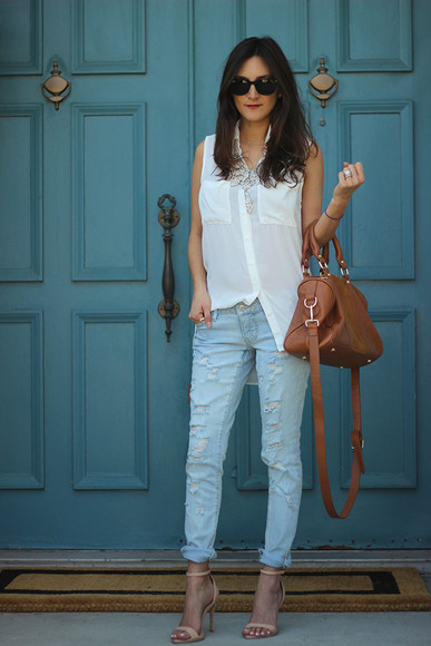 sunglasses nude bag jewels shoes rayban necklace blogger blouse top jeans high heels summer outfits ray ban sunglasses frankie hearts fashion ripped jeans sandals high heel sandals target