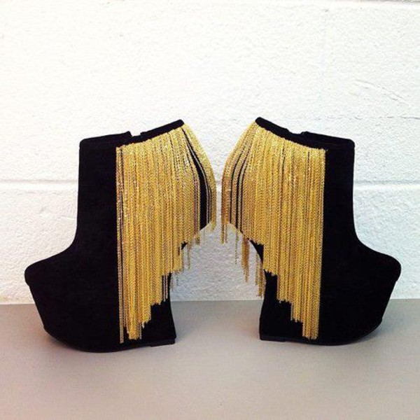 shoes black and gold shoes wedges high heels black shoes heels gold gold fringe black wedges wedge booties curved wedge gold chain booties gold litlle chains hanging black sexy nightlife platform shoes