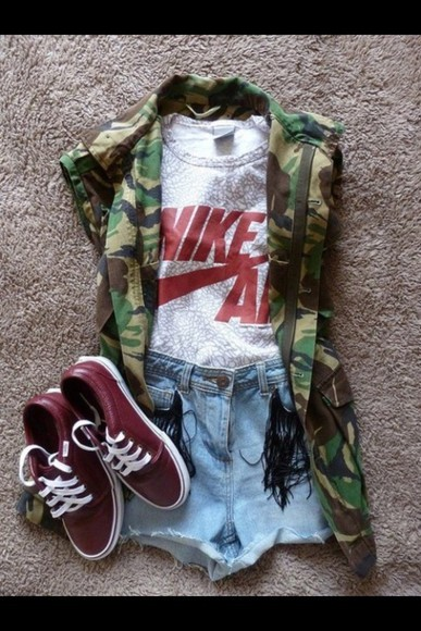 jacket shoes camo jacket army green red red vans red shoes nike nike shirts t-shirt