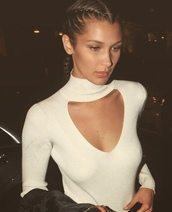top,bella hadid,celebrity,model,white top,long sleeves,cut out top,box braids,braid,hairstyles,boxer braid