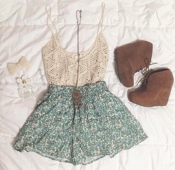 shoes brown suede tassel booties shorts skirt green top shirt