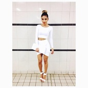 set,two piece dress set,white top,long sleeves,white crop tops,long sleeve crop top,white skirt,bodycon skirt,clutch,sandal heels,white sandals,all white everything,skirt,white shirt,white skirt and white crop top