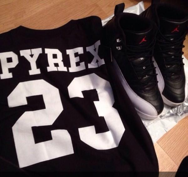 shoes retro jordans black white shirt