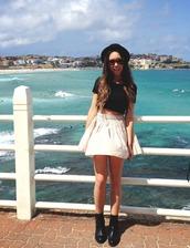 skirt,white skirt,fashion,beach,clothes,bowler hat,black shirt,bikini,boots,black boots,combat boots,crop tops,ombre bleach dye,shirt,hat