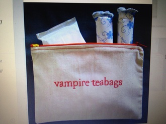 bag vampire girl i need these!