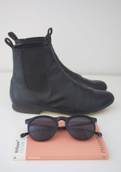 shoes,leather,boots,sunglasses,black,black boots,hipster,tumblr,black sunglasses,little black boots,ankle boots,black ankle boots,streched,elastic flat leather boots,leather boots,short,chelsea boots,harry styles,lou teasdale,travel,glasses,cute,booties,book,chelsea,elastic,ankle high,small heel