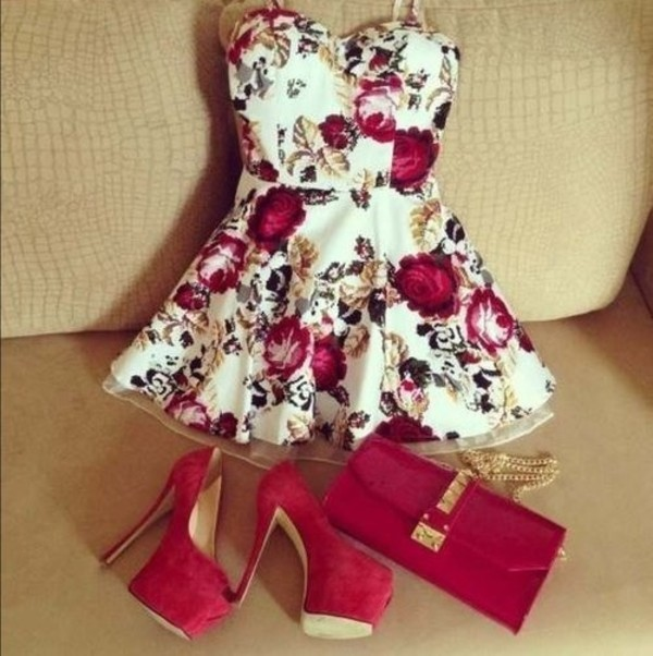 red heels pumps floral dress mini dress roses red bag chain bag sweetheart dress summer red high heels heels velvet bag wedding guest dress