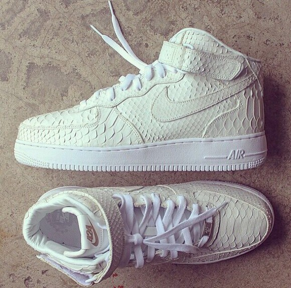 shoes snake print air max hi-top classic white nike nike air snake print creme sneaks air force high