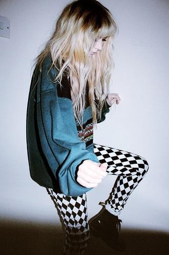 sweater leggings punk rock punk rock girl boots green sweater sweatshirt shirt hair white black black and white pants