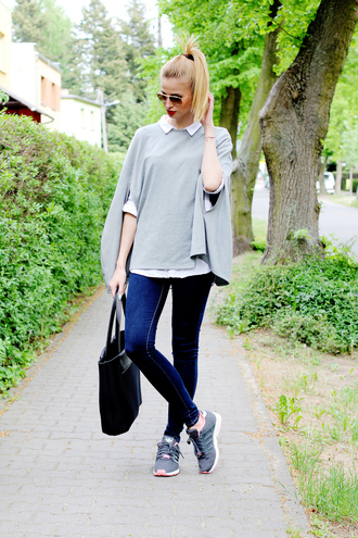 beauty fashion shopping blogger jeans grey top tote bag skinny jeans sneakers